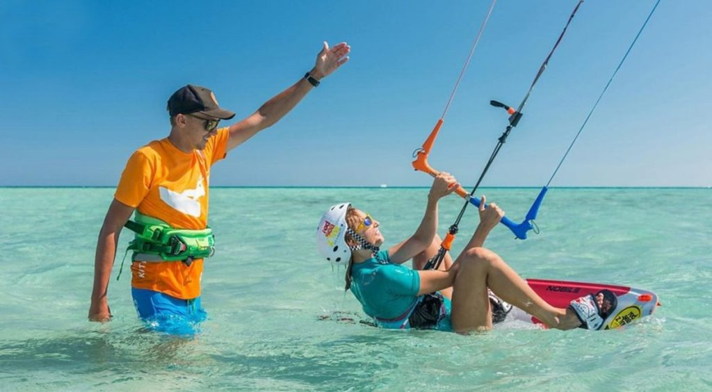 To ensure that you're not surfing in dangerous circumstances, all kiteboarders need to know the ideal conditions for getting out onto the water.